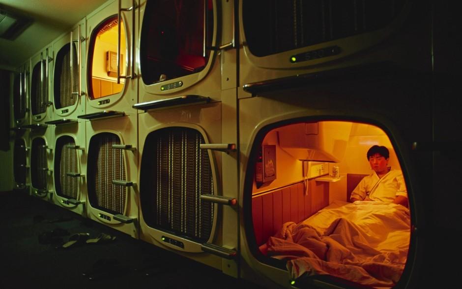 capsule-hotels-in-japan-2