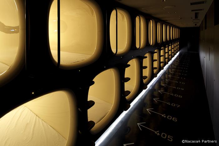 capsule-hotels-in-japan-4