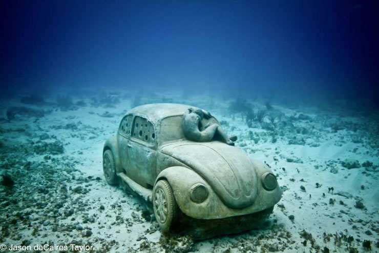 car underwater museum cancun