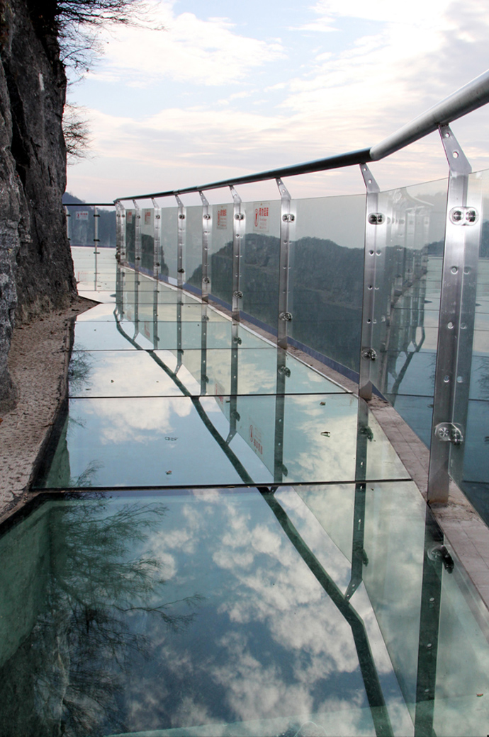 Skywalk-Tianmen-Mountain-China-4