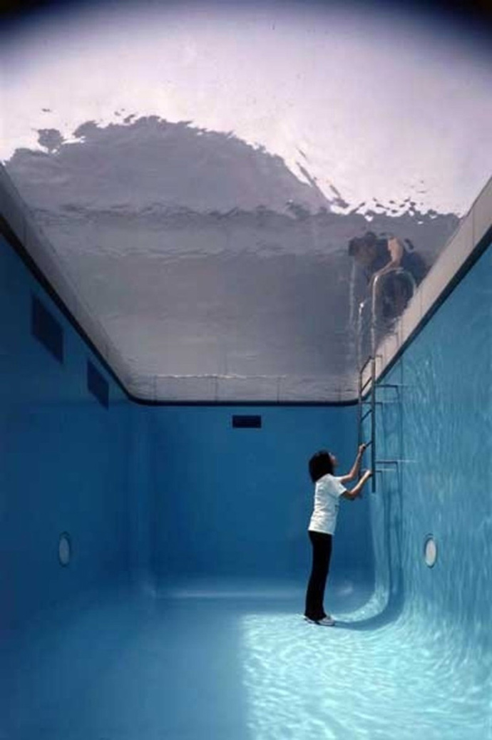 LEANDRO-ERLICH-swimming-pool-3