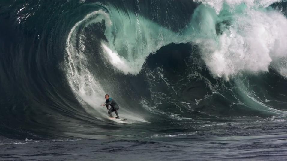 Гифка волна цунами