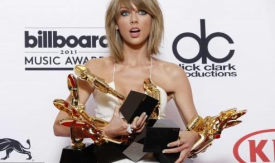 Taylor Swift Rocks Billboard Music Awards in Balmain