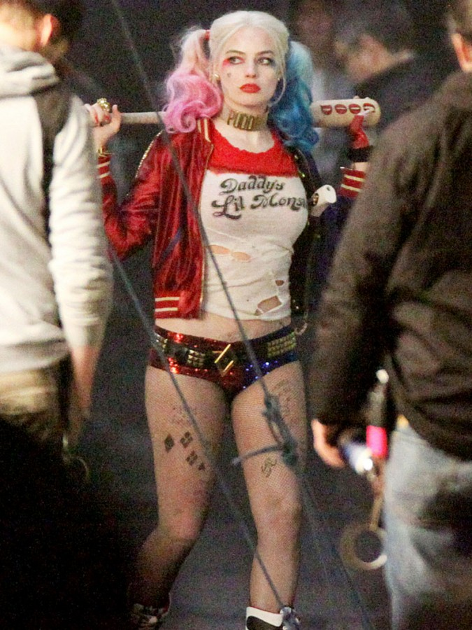 Margot-Robbie-Wears-Tiny-Shorts-To-Play-Harley-Quinn-In-Suicide ...