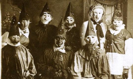 21 Creepy Vintage Photos