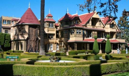 Haunted Places That Are Actually Open To The Public Haunted Places That Actually Exist, 25 Famous Haunted Places That You Can Visit, Get Scared While Reading About These Haunted Places, The Most Haunted Places In The World, Do You Have The Courage to Visit These Haunted Place?, 25 Haunted Houses Where You Could Spend The Night, Haunted Houses That Are Actually Open For Visitors, Haunted Houses To Visit Across The World, Could You Get Scared Of These Haunted Places?