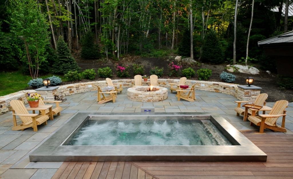 A Beautiful Design For Any Man S Backyard The Fire Pit Is Also Good Addition To Whole Setup As It Gives You More Relaxed Environment