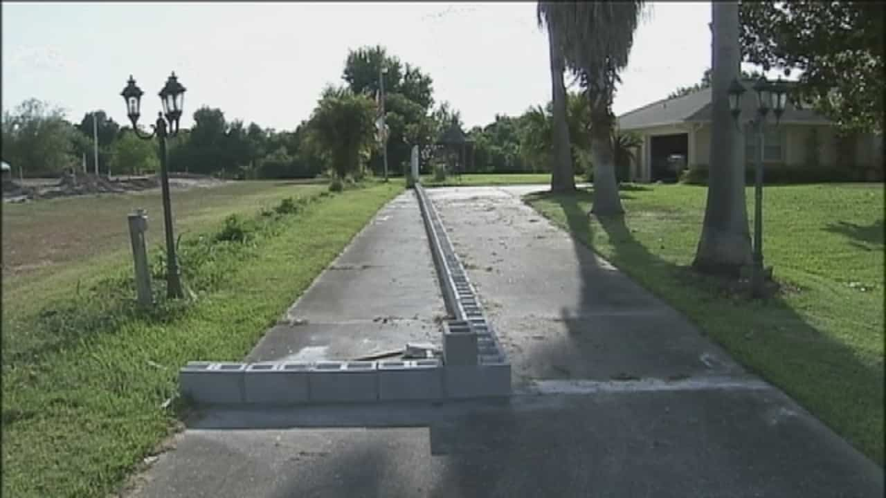 Rude Neighbor Blocks Old Man S Driveway With Cinder Blocks