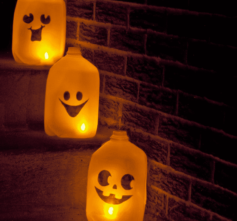 Turn Your Front Yard Into A Spooky Masterpiece With These 15 Diy Outdoor Halloween Decorations Mutually,One Bedroom Apartment In Brooklyn Ny